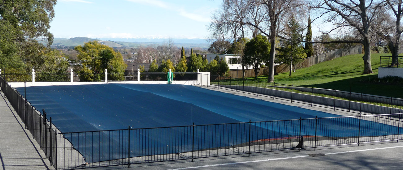 Pool debris covers - we can cope with whatever size your pool is