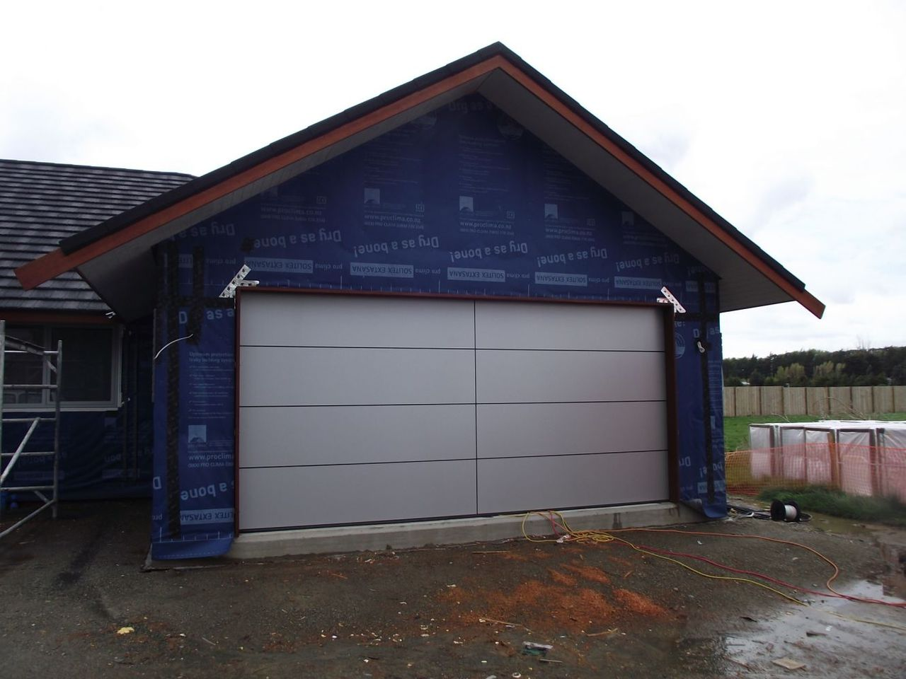 1 4 windsor garage doors image