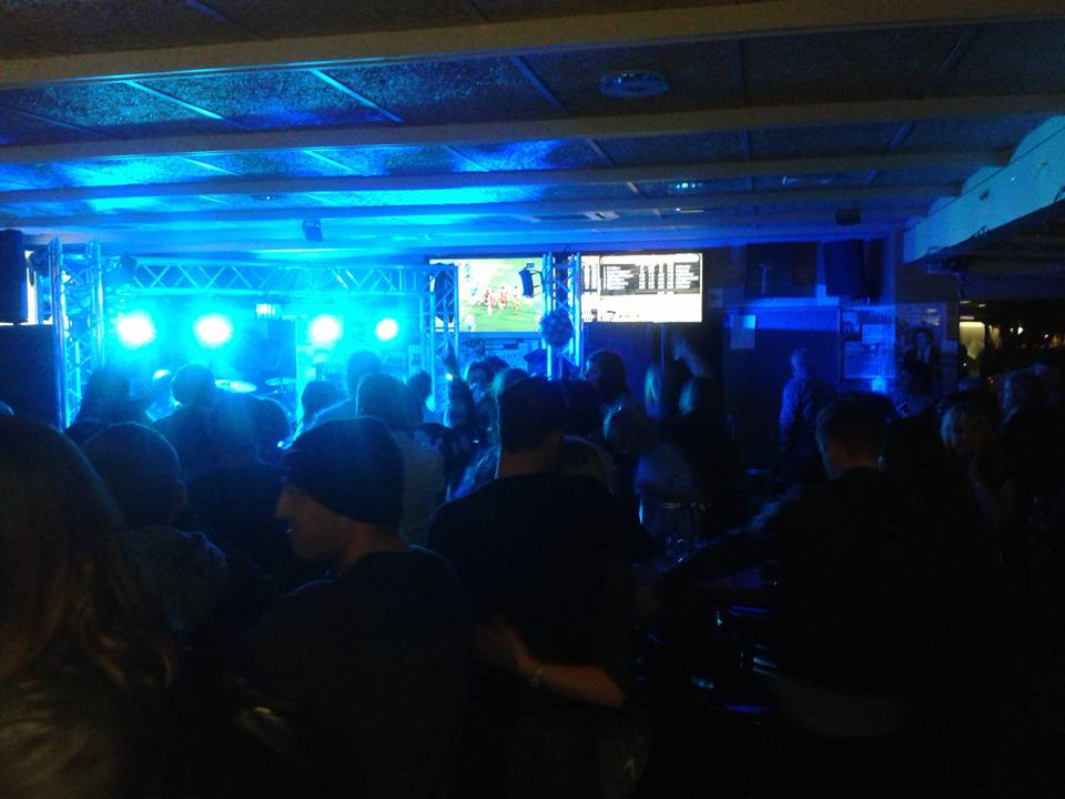 Nightlife at Pukemanu