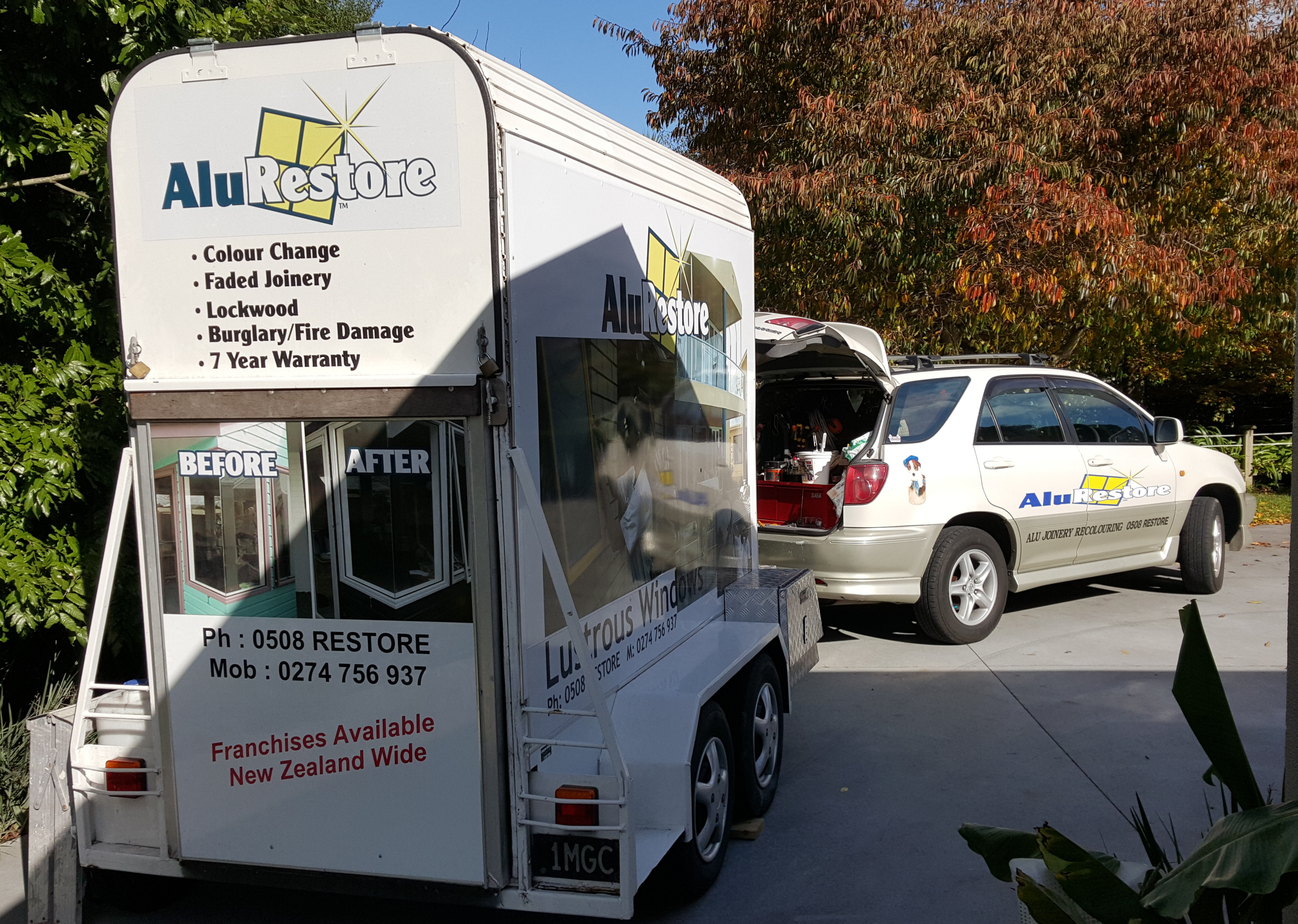 AluRestore Hamilton operates from a fully self contained mobile unit for your convenience.