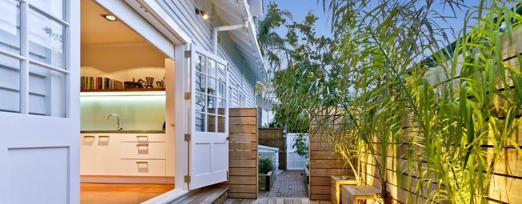House alterations in Devonport to create new indoor outdoor connections.
