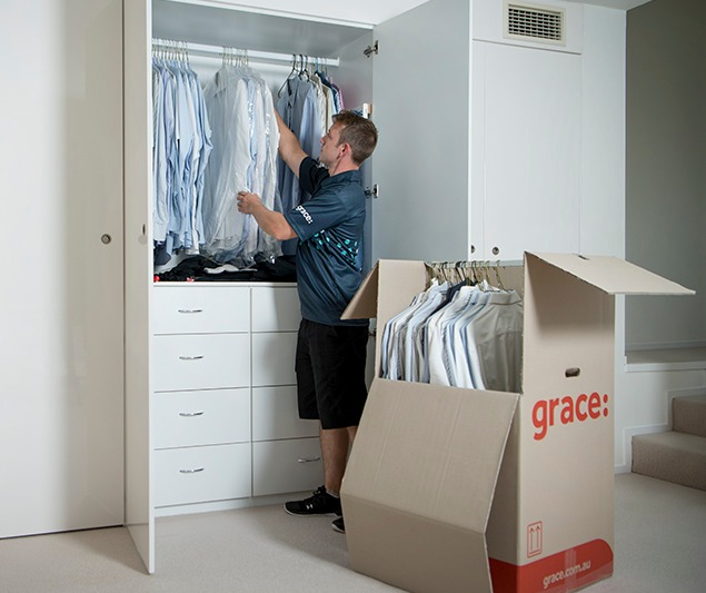 Packing and unpacking services.