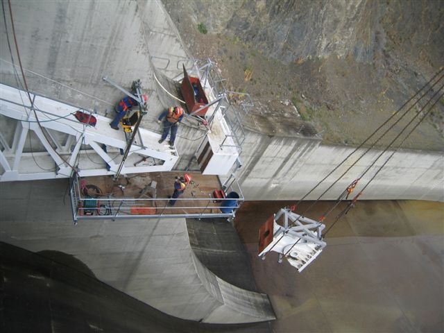 Spillway Gate Bearing Removal