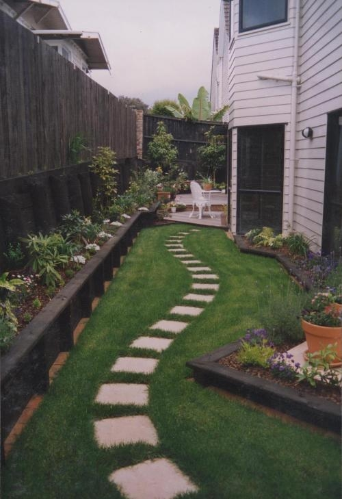 Residential garden - path through lawn